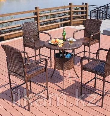 Комплект мебели из ротанга. Стол круглый , 4 барных стула