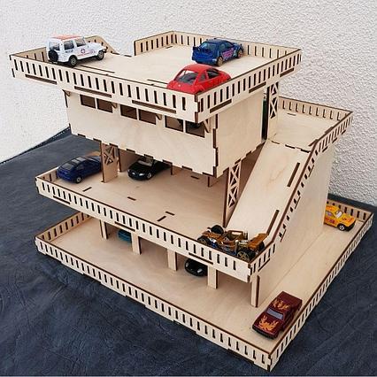 Четырехэтажный гараж для машинок