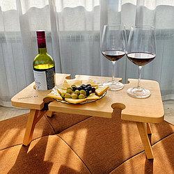 Столик для напитков.