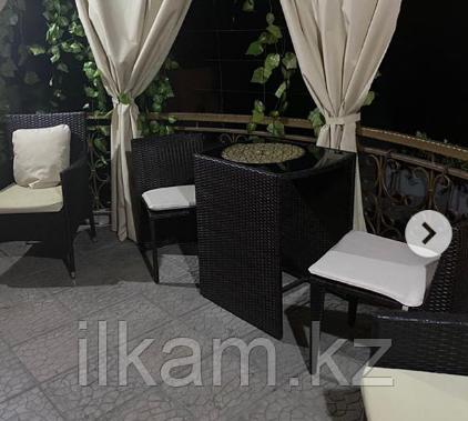 Комплект мебели из  ротанга: 2 стула, оригинальный П-образный стол, фото 2