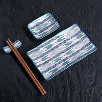 """Набор для суши """"Синий узор"""", 4 предмета: блюдо 29,5х12 см, соусник 10х7,5 см, подставка 6х2 см, палочки"""
