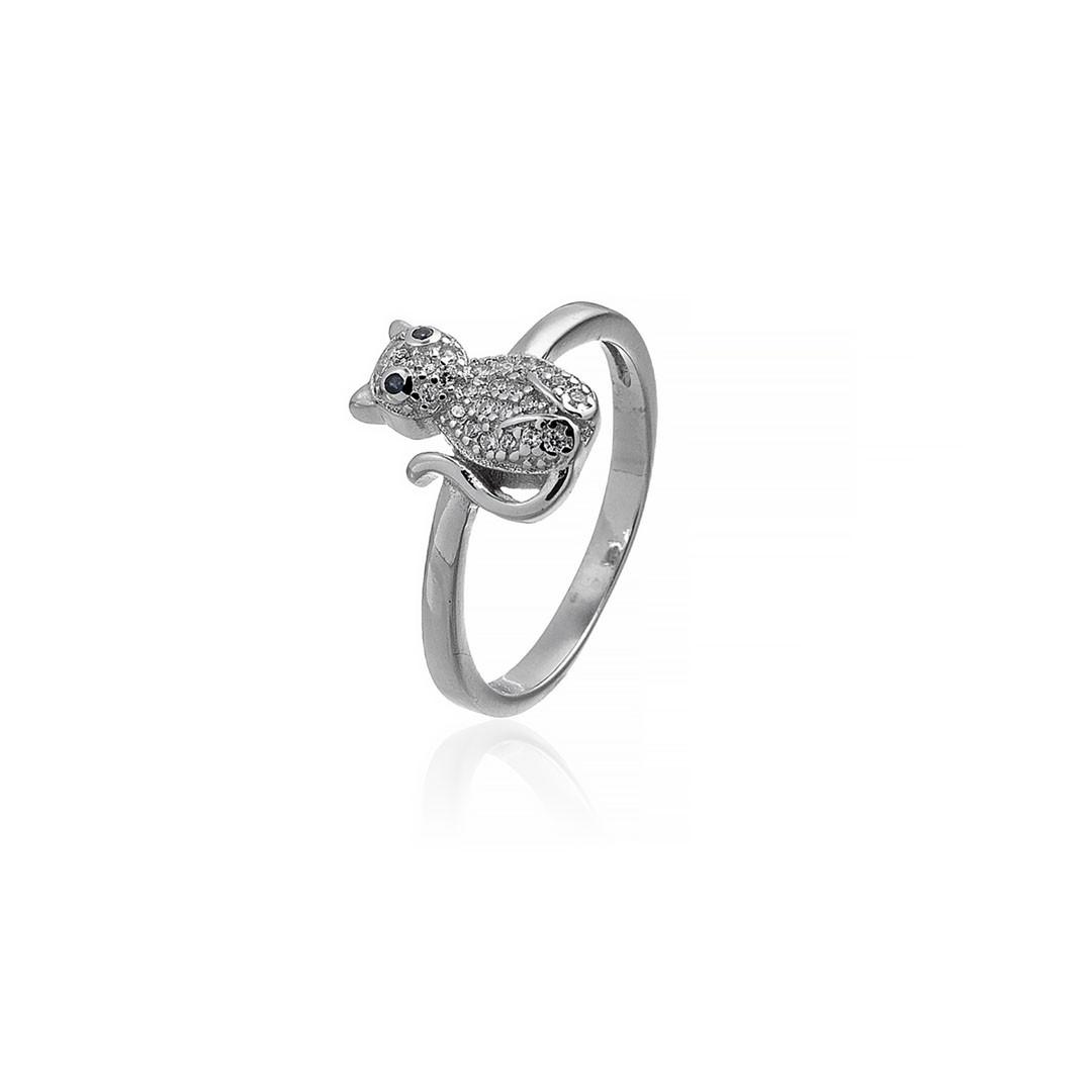 """Серебряное кольцо """"Кошка"""". Вставка: белые фианиты, вес: 2 гр, размер: 17, покрытие родий"""