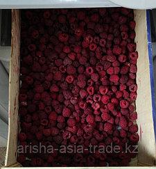 Свежая ягода малина