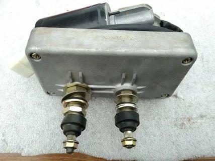 Моторчик переднего стеклоочистителя 802101258