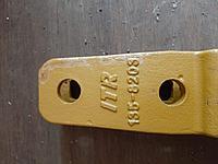 Зубья на ковш для Caterpillar 426, 428, 432 135-8203