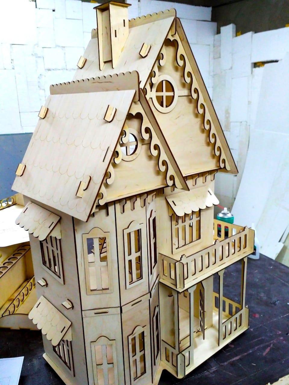 Кукольный домик в готическом стиле (в комплекте 11 предметов мебели)