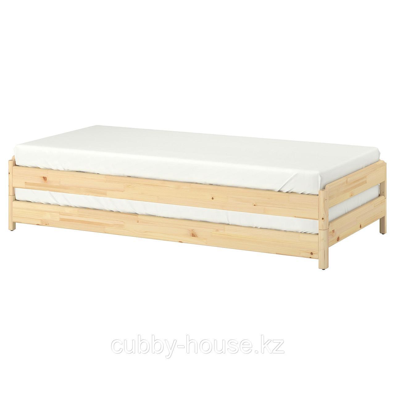УТОКЕР Штабелируемые кровати с 2 матрасами, сосна, Хусвика жесткий, 80x200 см