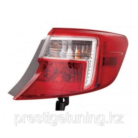 Задний фонарь правый (R) на крыле на Camry V50 2011-14 SE/LE/XLE TYC