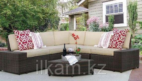 Комплект мебели .Угловой диван с квадратным журнальным столиком., фото 2