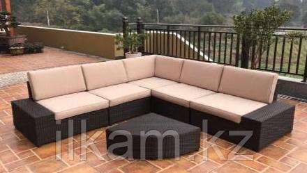 Комплект мебели угловой с оригинальным столиком в виде четверти круга, фото 2