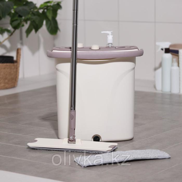 Набор для уборки: ведро с отсеком для полоскания и отжима 8 л, швабра плоская, запасная насадка из микрофибры