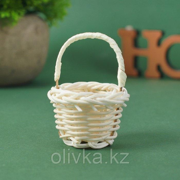 Миниатюра кукольная - корзинка, цвет белый