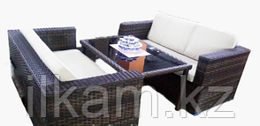 Комплект мебели из ротанга. Два дивана , журнальный столик.