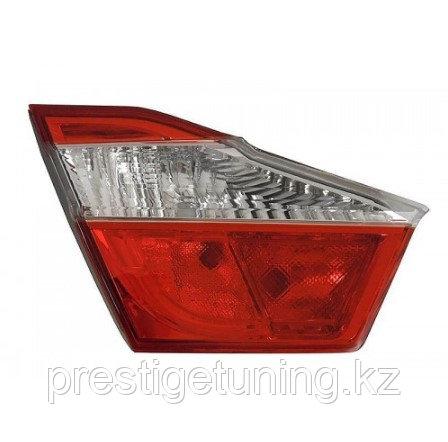 Задний левый (L) фонарь на багажнике на Camry V50 2011-14 DEPO