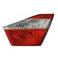 Задний правый (R) фонарь на багажнике на Camry V50 2011-14 DEPO