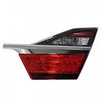 Задний фонарь правый (R) багажник на Camry V55 2014-17 Дубликат