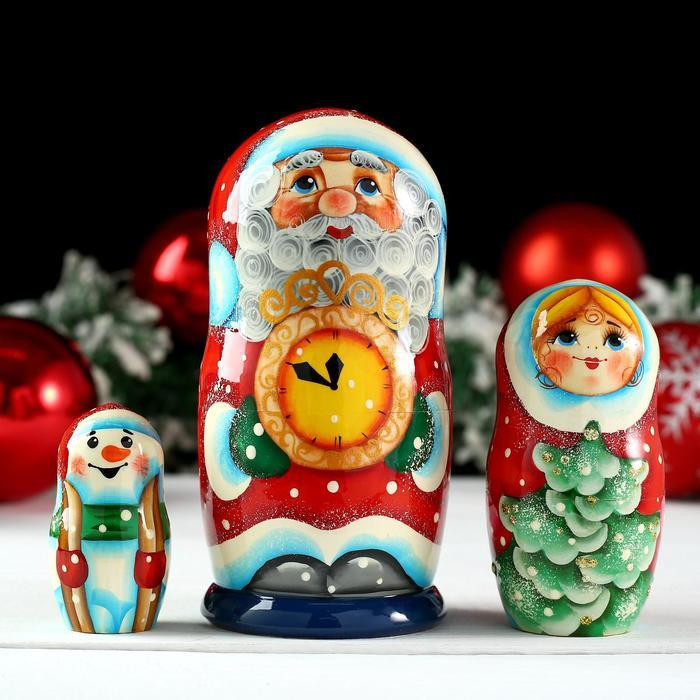 Матрёшка «Дед Мороз с часами», 3 кукольная, 13х6 см,ручная роспись