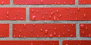 Очистка фасадов зданий и заборов от солевых отложений (высолов), цементного раствора и атмосферных загрязнений, фото 3