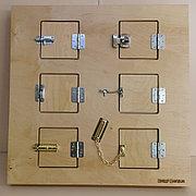 Настенный модyль с шестью замочками и задвижками, панель Монтессори развивающая