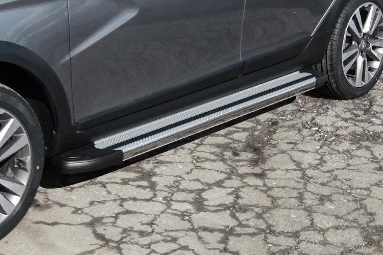 """Пороги алюминиевые """"Luxe Silver"""" 1800 серебристые Lada Vesta SW Cross"""