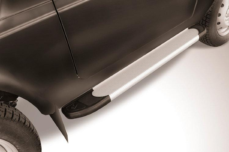 Пороги алюминиевые Optima Silver 1250 Lada Niva 4X4 Urban 3d