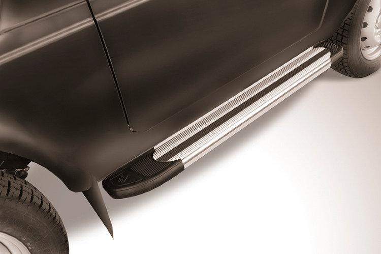 Пороги алюминиевые Luxe Silver 1250 Lada Niva 4X4 Urban 3d