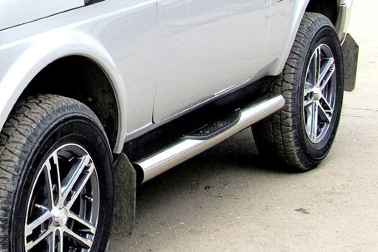 Защита порогов d76 с проступями Lada Niva 4X4 Urban 3d