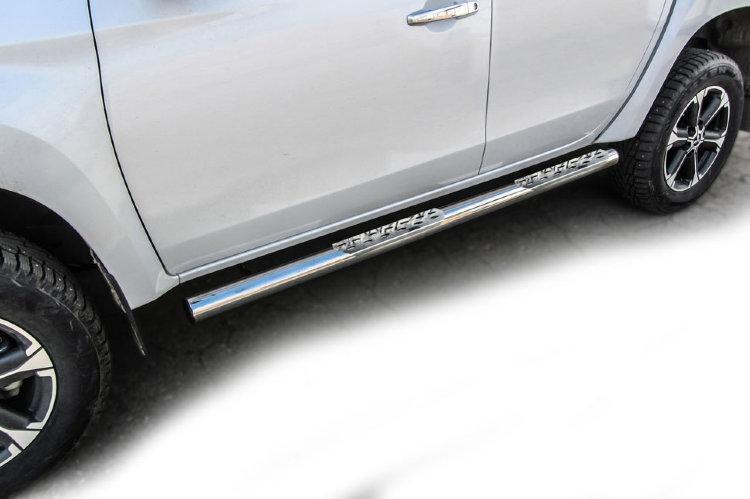 Защита порогов d76 со ступеньками стальными Mitsubishi L-200 (2018)