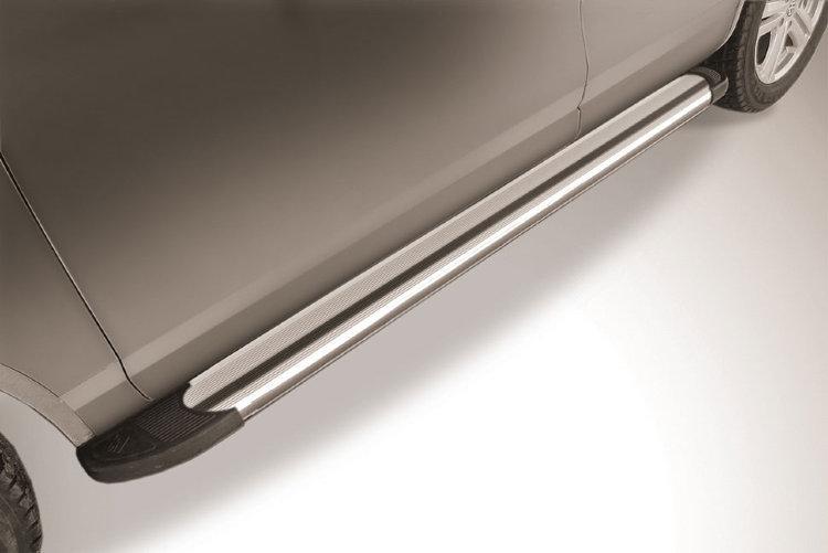 """Пороги алюминиевые """"Luxe Silver"""" 2000 серебристые Volkswagen Touareg (2013)"""