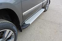 Пороги алюминиевые Optima Silver 1600 серебристые на Chery TIGGO-3 (2017)