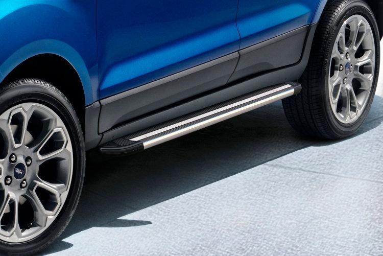 Пороги алюминиевые Luxe Black 1600 черные на Ford EcoSport (2017)