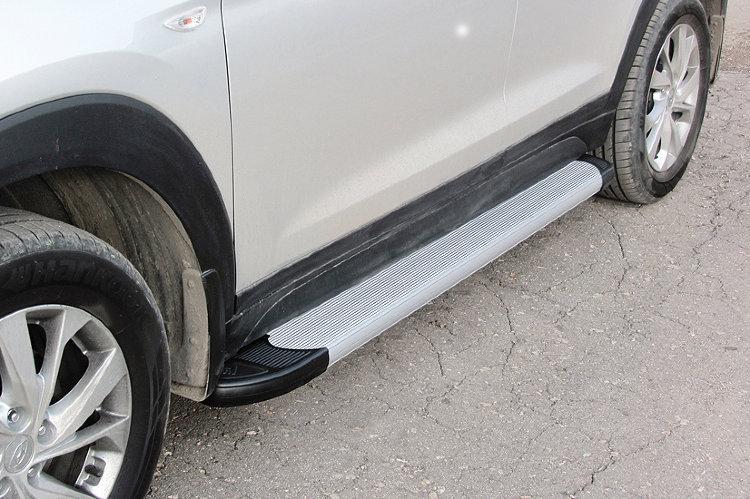 Пороги алюминиевые Optima Silver 1700 серебристые на Hyundai Tucson (2018)