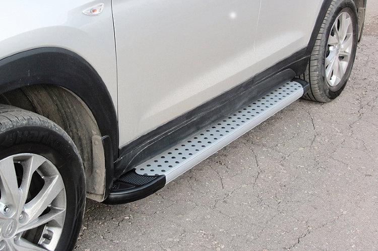 Пороги алюминиевые Standart Silver 1700 серебристые на Hyundai Tucson (2018)