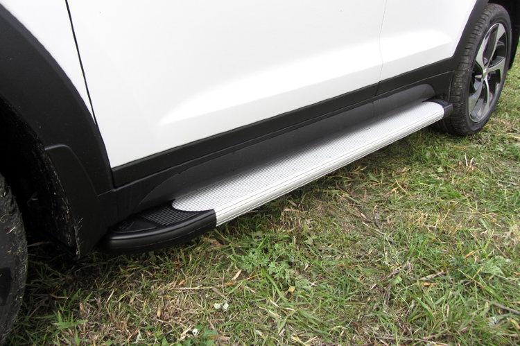Пороги алюминиевые Optima Silver 1700 серебристые на Hyundai Tucson 4WD (2015)
