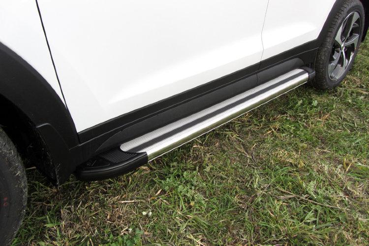 Пороги алюминиевые Luxe Silver 1700 серебристые на Hyundai Tucson 4WD (2015)
