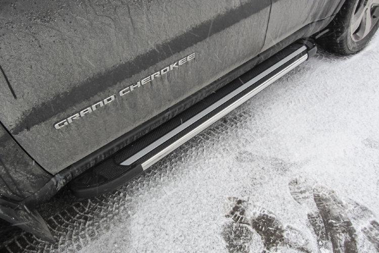 "Пороги алюминиевые ""Luxe Black"" 1550 черные JEEP Grand Cherokee (2011)"
