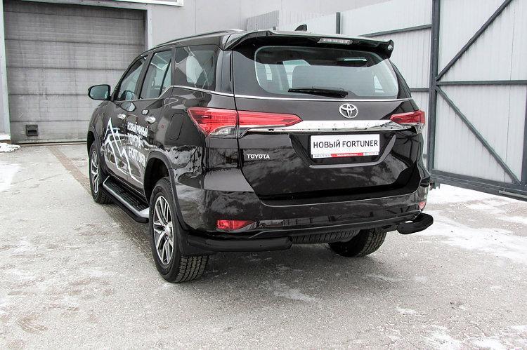 Уголки d76 черные Toyota Fortuner (2017)