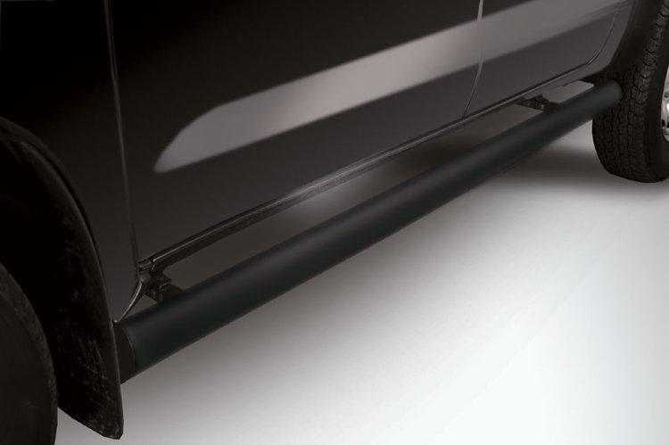 Защита порогов d76 труба черная Toyota Hilux (2011) рестайлинг