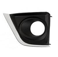 Крышка противотуманной фары правая (R) на Corolla 2013-16