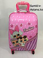 Детский пластиковый чемодан для девочек,5-7 лет.Высота 46 см, ширина 30 см, глубина 22 см., фото 1