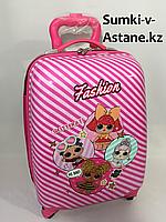 Детский пластиковый чемодан на 4-х колесах,для девочек 5-7 лет.Высота 46 см,ширина 30 см, глубина 22 см., фото 1