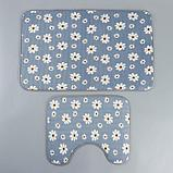 Набор ковриков для ванны и туалета «Ромашки», 2 шт: 50×80, 40×50 см, цвет серый, фото 2