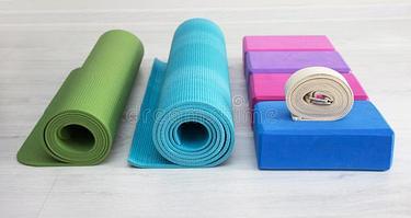Блоки, ролики, коврики (для йоги и фитнеса)