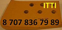 Нож подрезной правый  150-70-21346  SD22,23