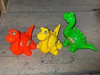 Динозавр пластик. (заводной)