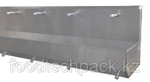 Четырехпозиционная раковина для установки на полу, с фотоэлементом