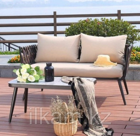 Комплект мебели изящный диванчик продольного плетения , столик, фото 2