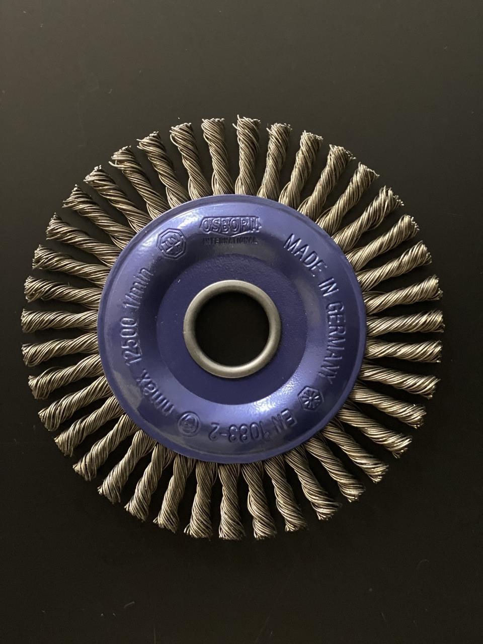 Щётка дисковая D 125 x 6 x 22,2 mm. OSBORN Жгутовая стальная проволока 0,5mm