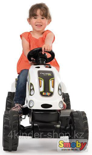 Детский педальный трактор Smoby
