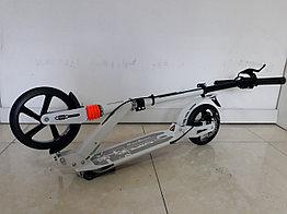 Двухколесный самокат Urban Scooter с ручным тормозом. До 100 кг. 145-195 см.